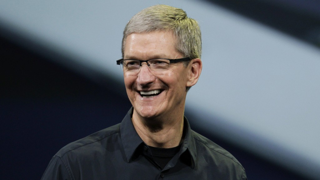 Tim Cook, CEO da Apple, assume homossexualidade