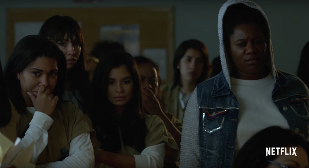 """A única saída é a gente se unir"": novo trailer de ""Orange Is The New Black"" traz as detentas de Litchfield fazendo rebelião"
