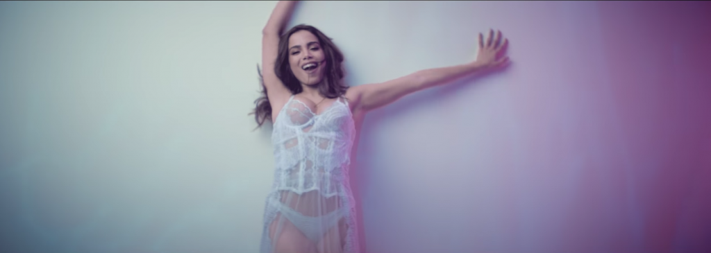 "Anitta demonstra versatilidade com a música ""Will I See You"""